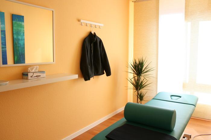 Hier sehen Sie einen meiner Behandlungsräume.